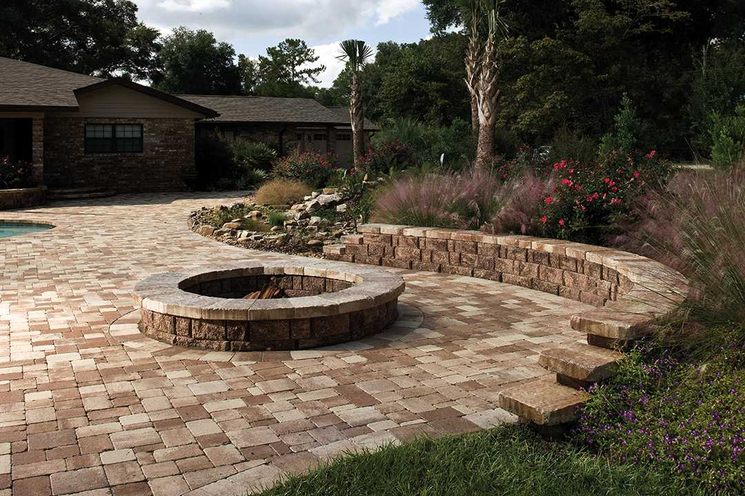 Highland Free Standing Wall Hardscapes