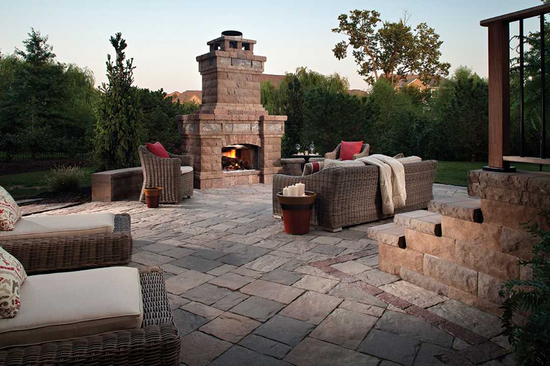 Custom Fireplace | Mega Lafitt 3 pcs pavers