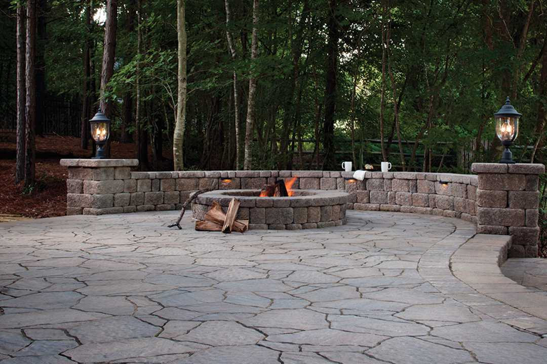 Highland Free Standing Wall | Mega Arbel Pavers